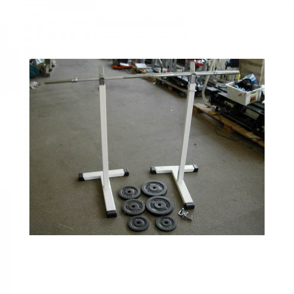 Langhantelstange mit Ablage und Gewichten